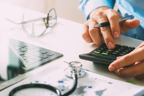 AGAクリニックで一般的にかかる料金とは?