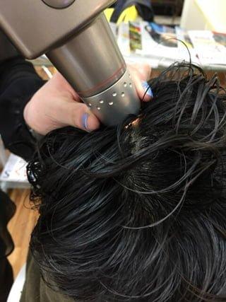 頭皮ケアにはどんな方法があるのか?頭皮に直接行う以外のヘアケアも存在する!